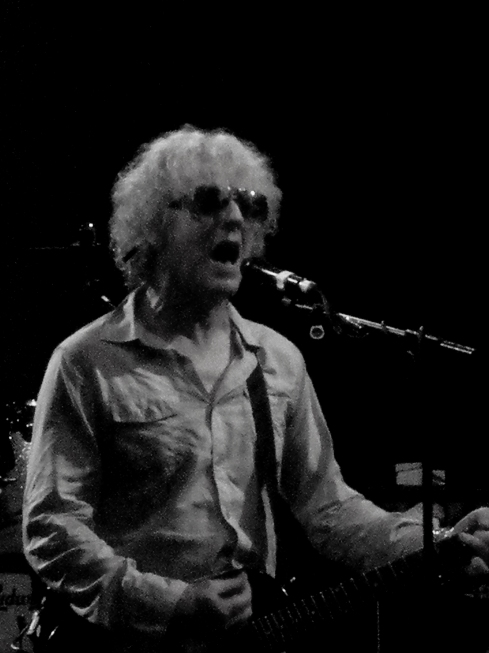 Ian Hunter. Hammersmith Apollo, 2009. Image copyright John Callaway (2009)